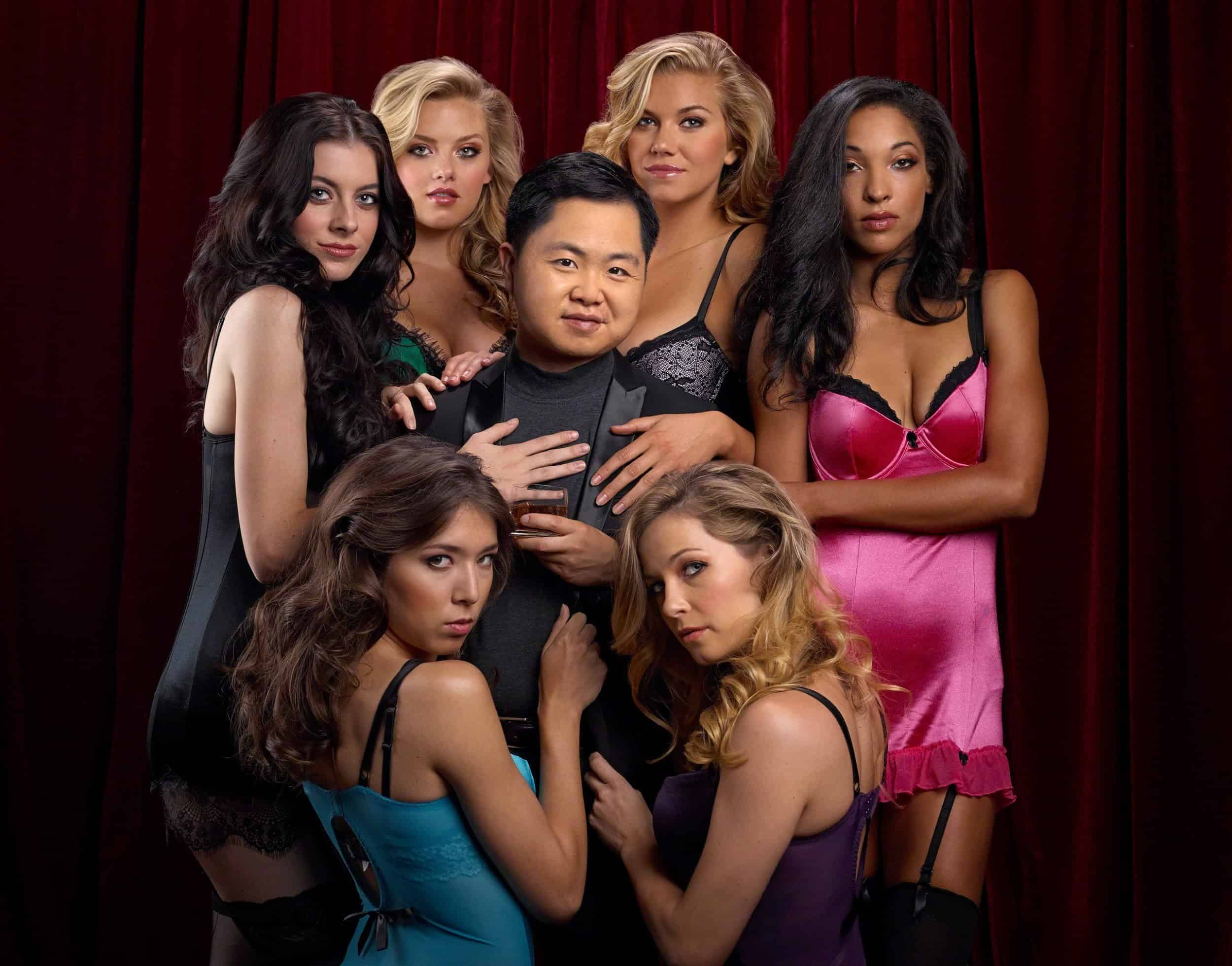 Chinese guy with womans - No